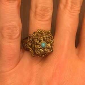 Jewelry - Antique Box Ring
